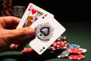Kinh nghiệm dừng bài hay rút tiếp trong bài blackjack 1gom